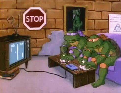 Donatello and Michelangelo playing Pong (TMNT)