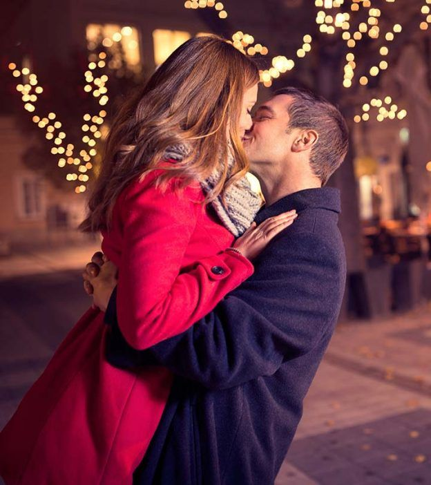 Why Do We Kiss When Were In Love? 6 Things You Didnt
