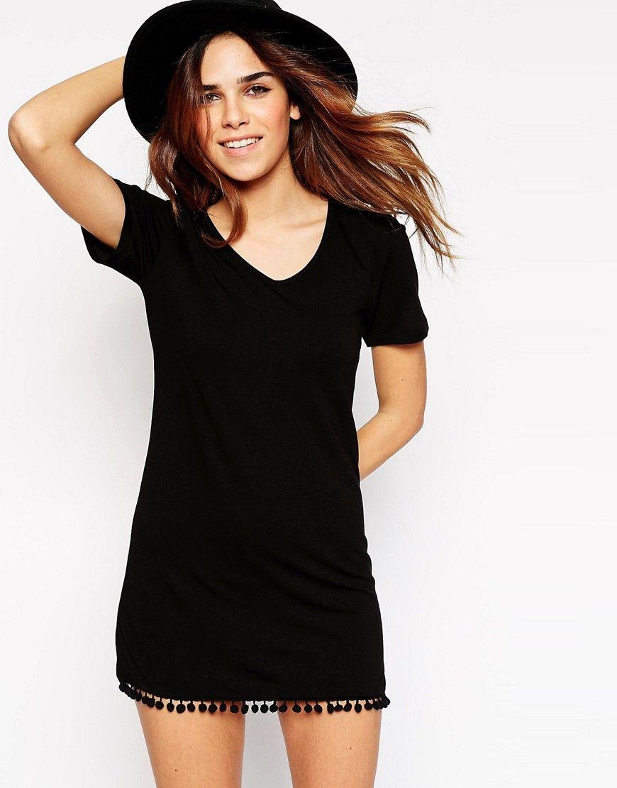 Imagen 1 de Vestido estilo camiseta con bajo de pompones de ASOS
