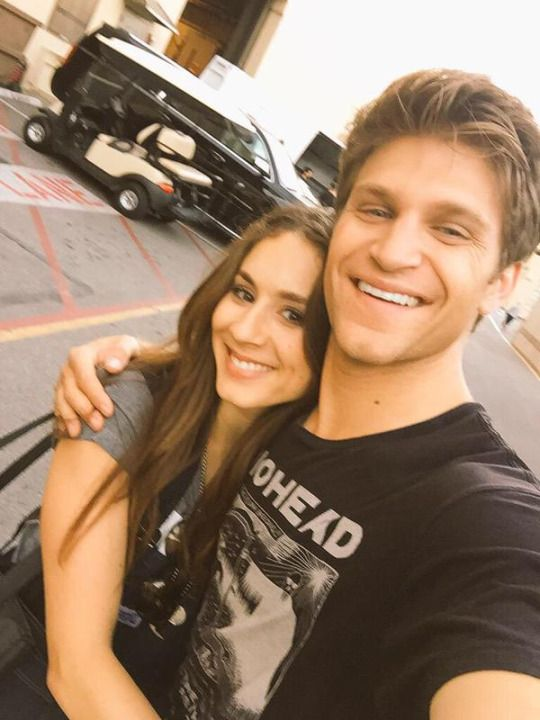 who is toby dating in pretty little liars Pretty little liars 35m likes official facebook page of the pretty little liars series.