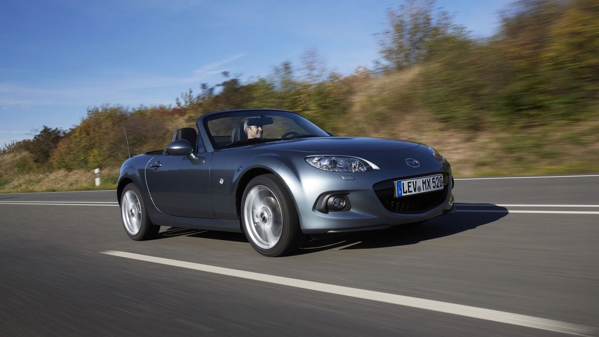 A Mazda Miata. Oh, if only my dad would buy me one! | Randomness ...