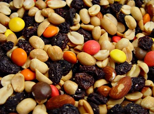 Slow Cooker Trail Mix For Your Tailgate Party