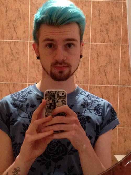reecespiieces:  RIP Blue hair. You were the bestest hair I've ever had and I am sure we shall meet again. But for now, it's time to part. I ...