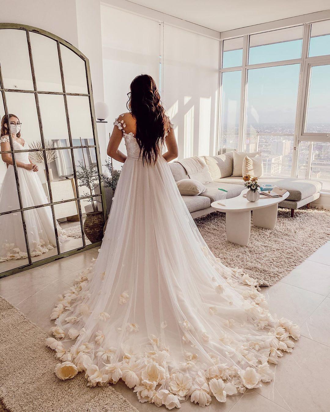 My Wedding Dress Video Is Up Link In My Bio Wow What A Journey It S Been Michellehebert In 2020 Wedding Dresses Videos Floral Wedding Gown Wedding Dresses