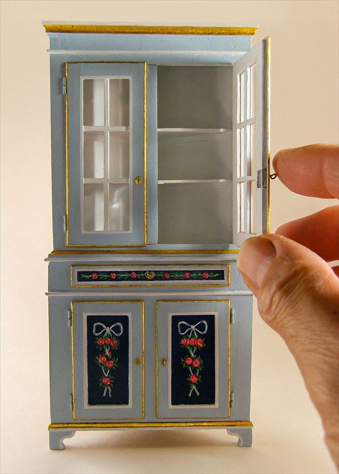 Miniatura de Alacena rinconera de estilo Gustaviano a escala 1/12 ...