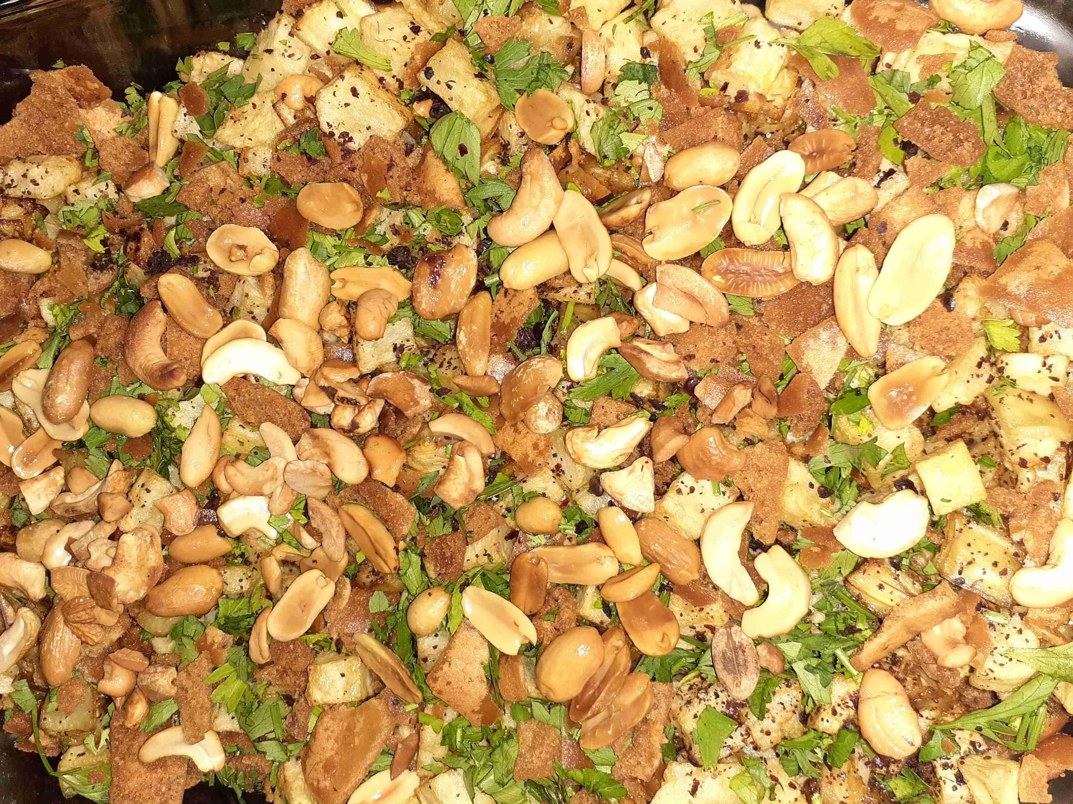 فتة المكدوس ملكة رمضان زاكي Recipe Arabic Food Stuffed Mushrooms Side Plates