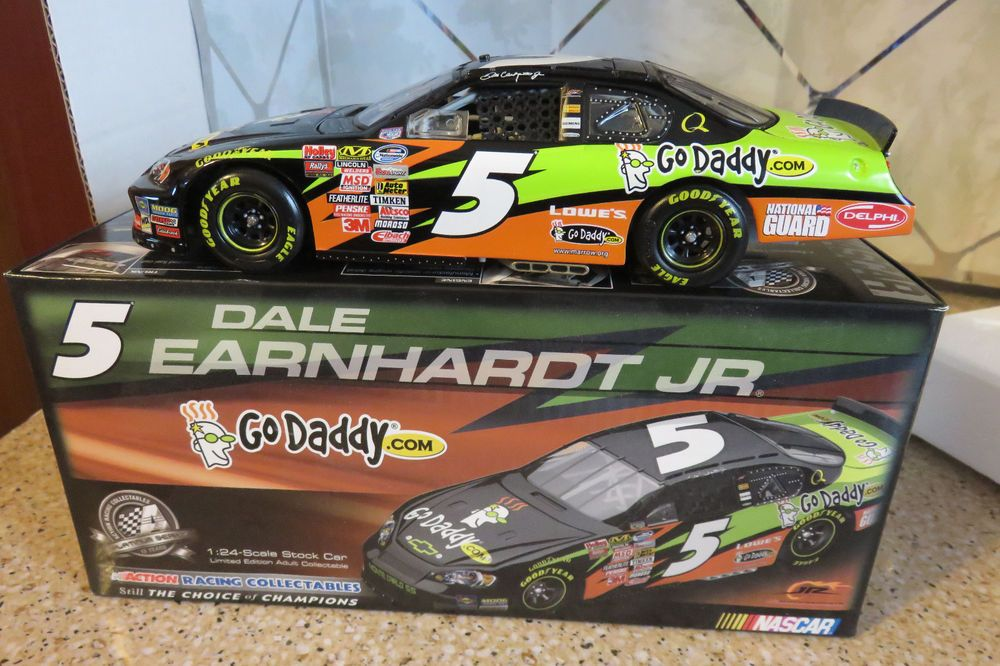 5 Dale Earnhardt Jr. 2009 Go Daddy 1/24 Scale Action
