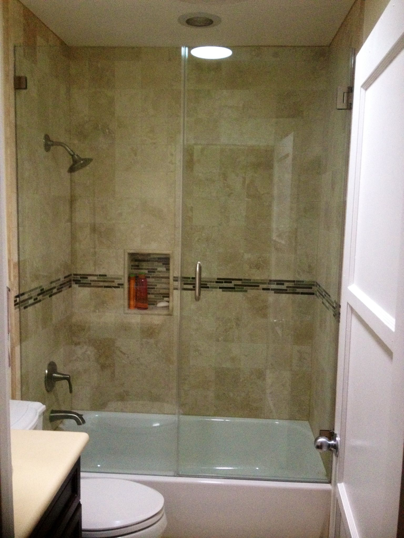 Frameless glass shower door in tub decoracion hogar pinterest decoraci n hogar hogar y - Pinterest decoracion hogar ...