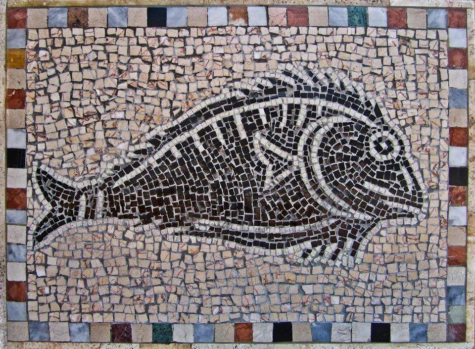 Mosaico Classico Romano Pesce In Bianco E Nero Fatto Con