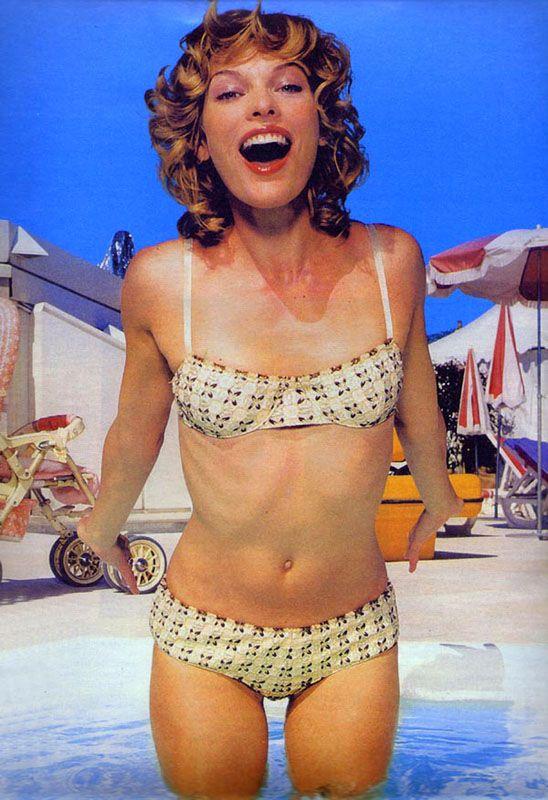 Milla Jovovich 2002