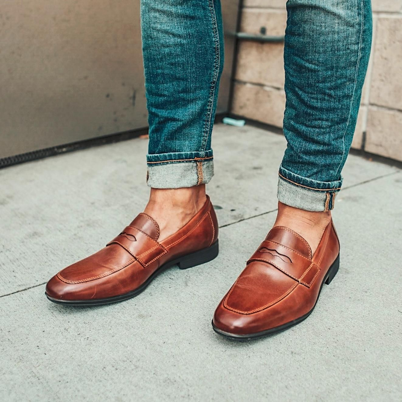 5417538e66e Penny loafers + denim   a modern take on the classics.  Trend Styled ...