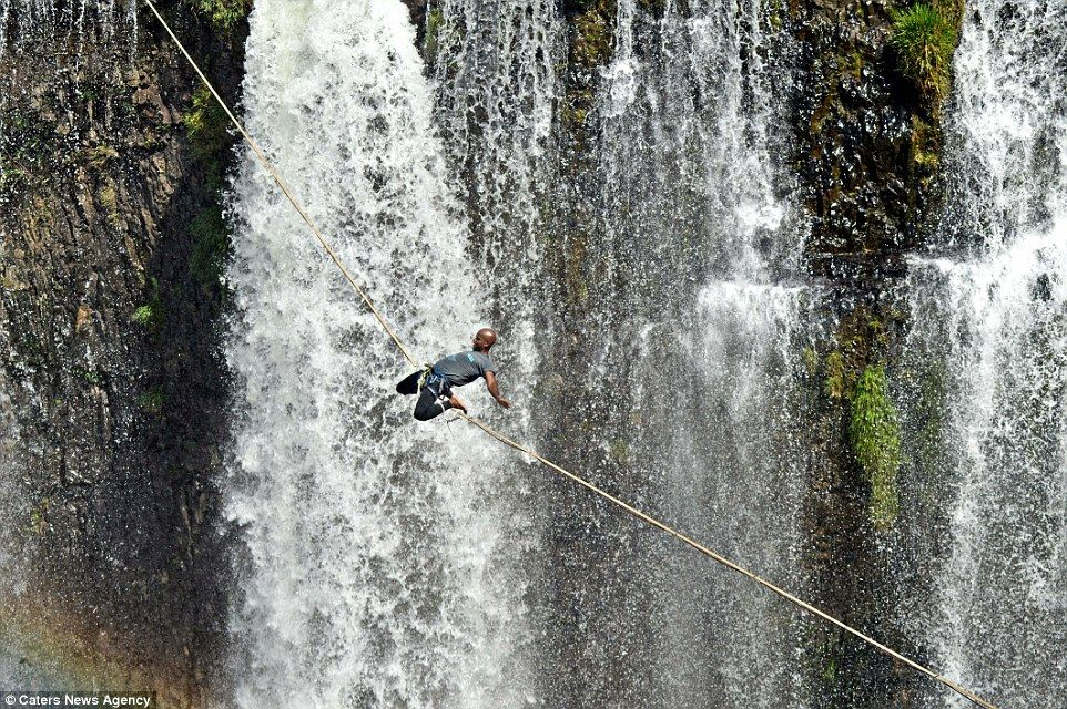 Reginaldo has practiced his technique over the two years of his highlining experience - always stretching and meditating beforehand