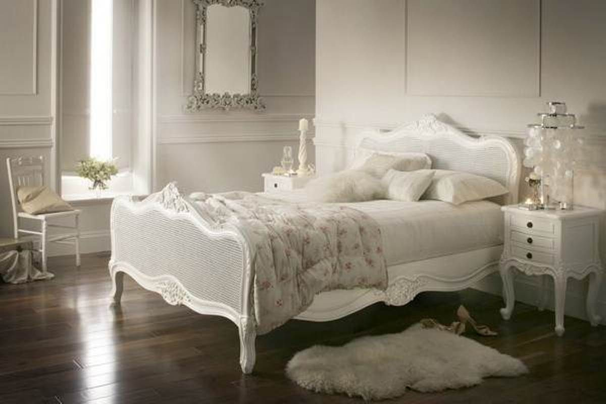 White Bedroom Furniture Brightening Up Your Bedroom With White Wicker Bedroom Furnit Vintage Bedroom Furniture Vintage Bedroom Decor Wicker Bedroom Furniture