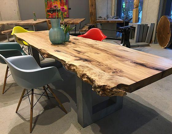 esstisch baumtisch aus ulmenholz unverleimt aus einem st ck holzwerk hamburg deko. Black Bedroom Furniture Sets. Home Design Ideas