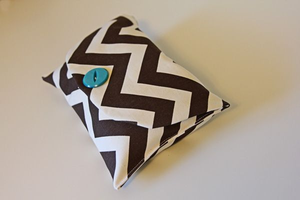 the chevron clutch tutorial + pattern - see kate sew