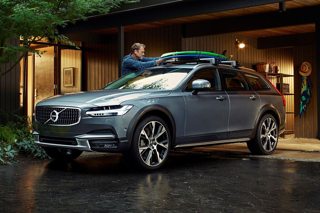2020 Volvo V90 Cross Country Review Autotrader Volvo Wagon Volvo Volvo Coupe