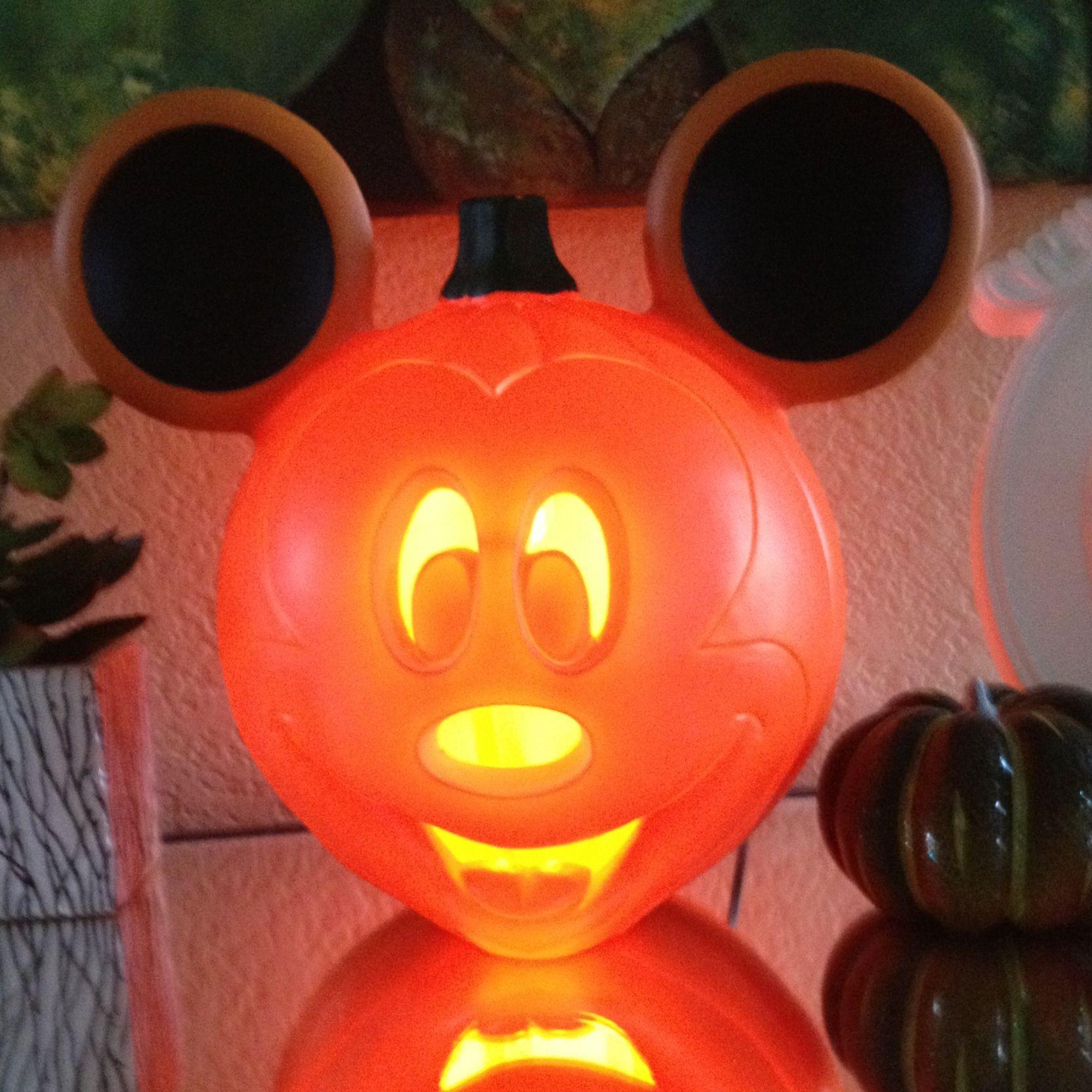 mickey mouse jack o lantern