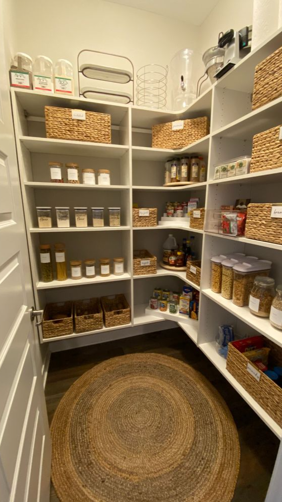 The Most Beautiful Pantries & Butler's Pantries. Full of great ideas.