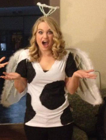 The 16 Best Halloween Pun Costumes-  Holy Cow!  This angel is ready  sc 1 st  Pinterest & The 16 Best Halloween Pun Costumes | Pinterest | Pun costumes ...