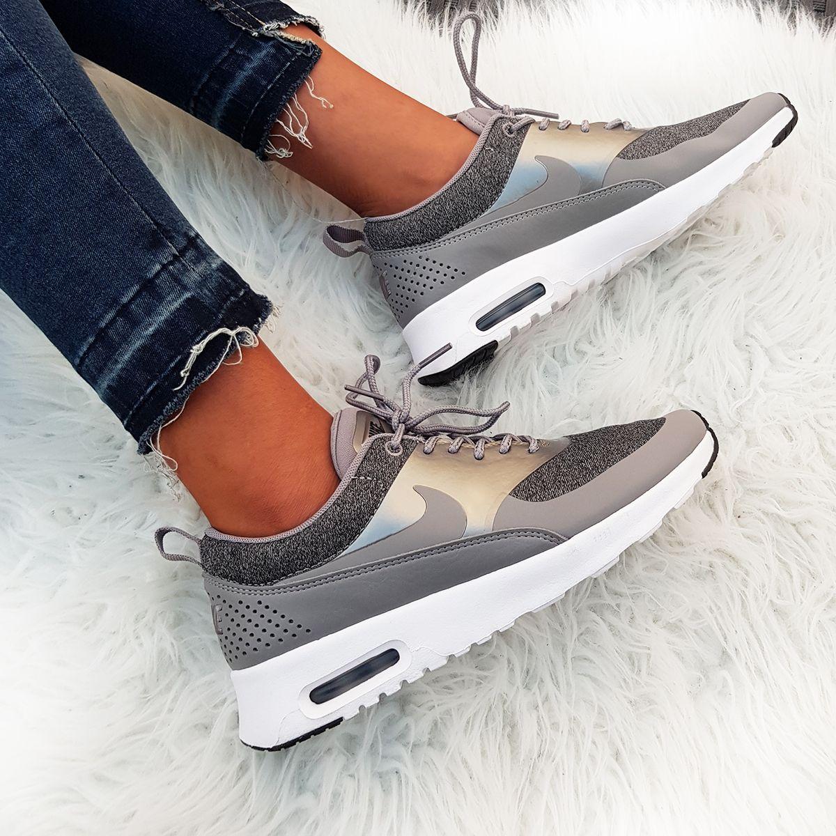 Nike Air Max Thea Knit grau grey weiss white Foto