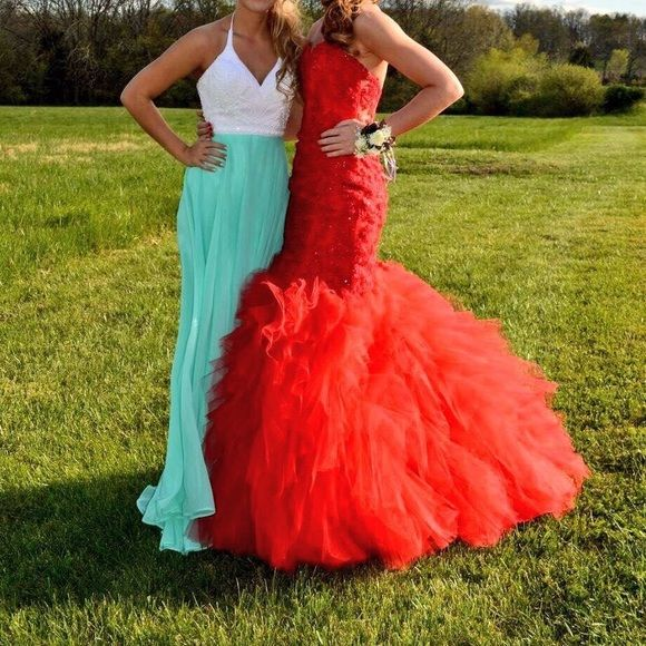 long prom dress one piece red paparazzi prom dress!! originally a size 6, but taken in a couple inches at the zipper to fit more like a size 2-4 (can easily be let out) beautiful dress that was complimented all night long. sweetheart neckline with a mermaid fit. no length was taken off & only worn once!! Sherri Hill Dresses Prom