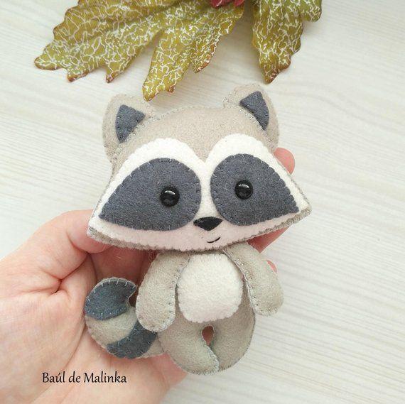 Felt raccoon ornament pattern woodland Plush sewing tutorial PDF pattern toy Raccoon ornament DIY felt tutorial softi Raccoon sewing pattern #feltcreations