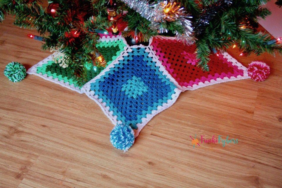 Granny Diamonds Tree Skirt Free Crochet Pattern For Christmas