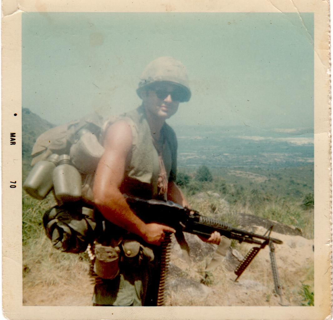 U S Sol R With M60 May Vietnam War
