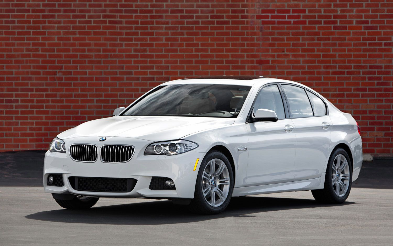 The luxurious bmw i is stylish fuelefficient u powerful bmw