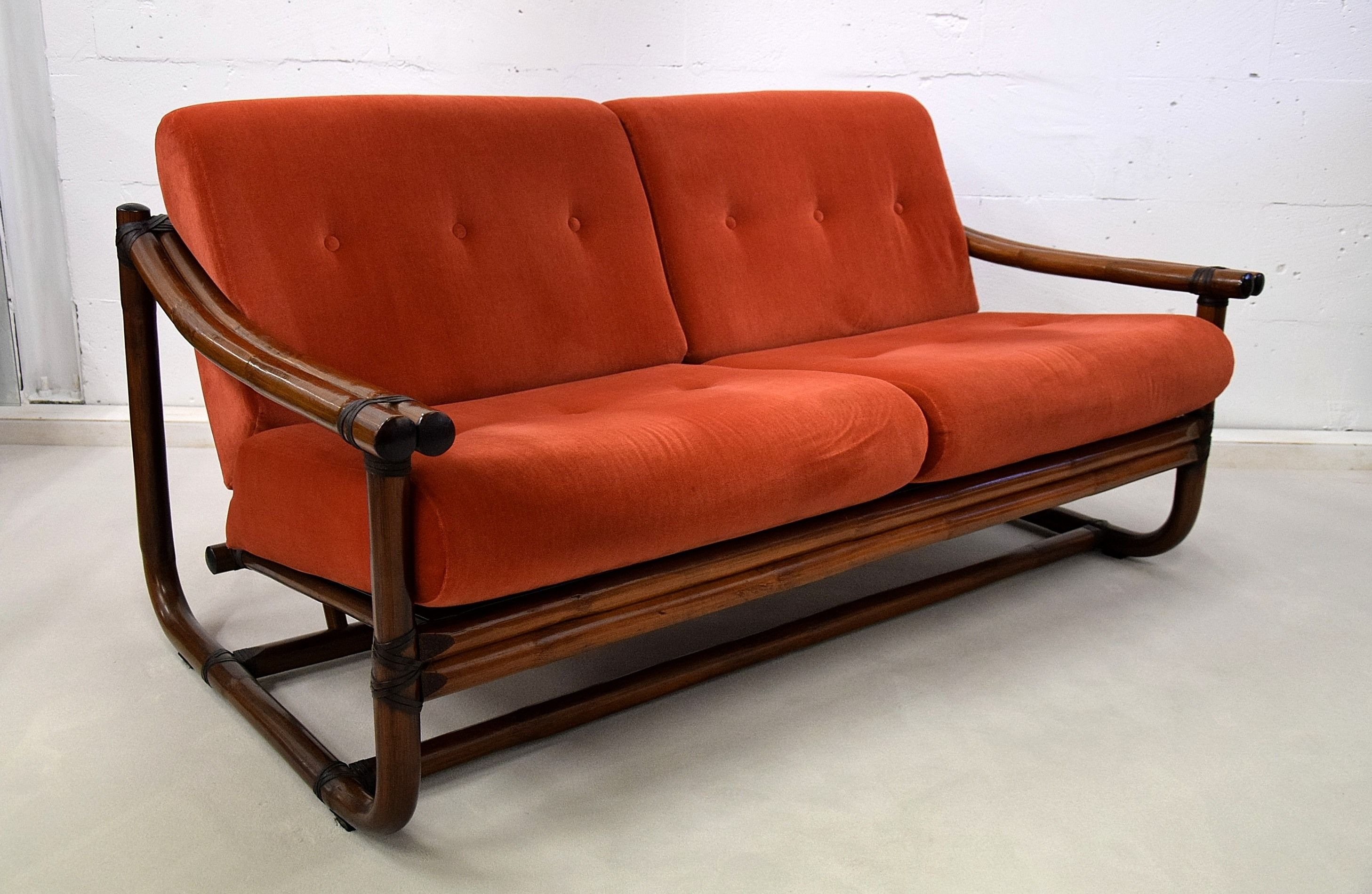 1960 Two Seater Italian Lounge Sofa Bamboo A Beautiful Very Well Made Bamboo Sofa From The 1960 S A Great Stylish Pie Lounge Sofa Couch Upholstery Bamboo Sofa