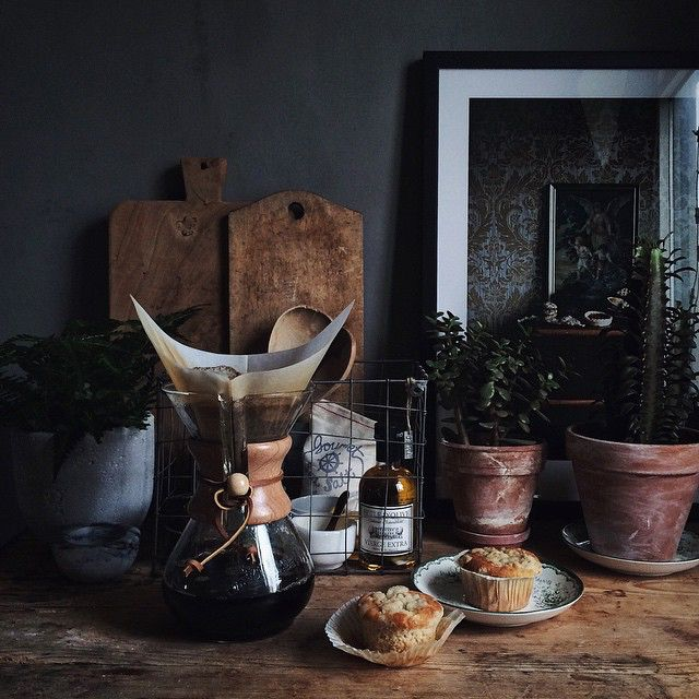 Chemex and Muffins / photo by Linda Lomelino