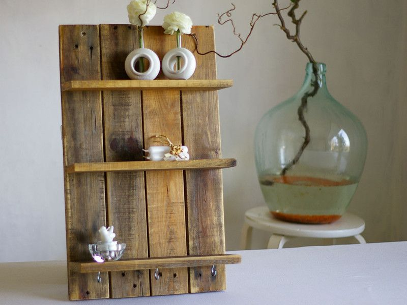 Regal Zum Aufhängen wandregale altholz regal zum aufhängen aus palettenholz ein