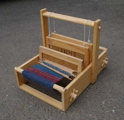 how to make a hand weaving loom