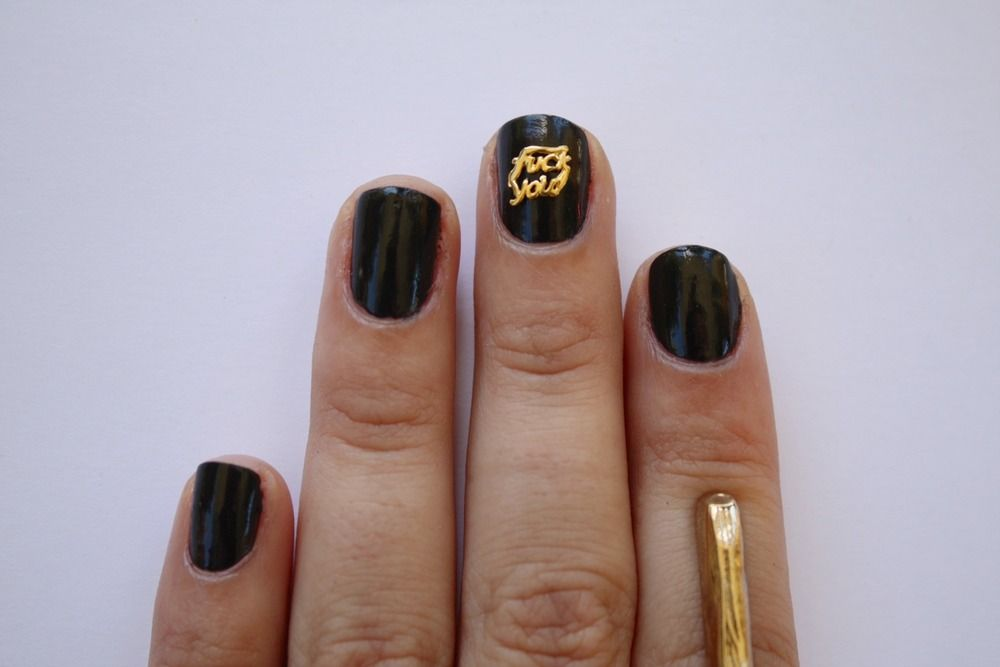 Fuck you #nailart |  Spritzi, beauty blogs news in real time #blogger #makeup