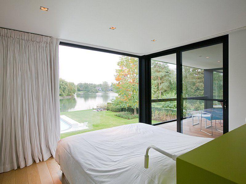slaapkamer • uitzicht • ingebouwde spots • grote ramen • gordijn, Deco ideeën