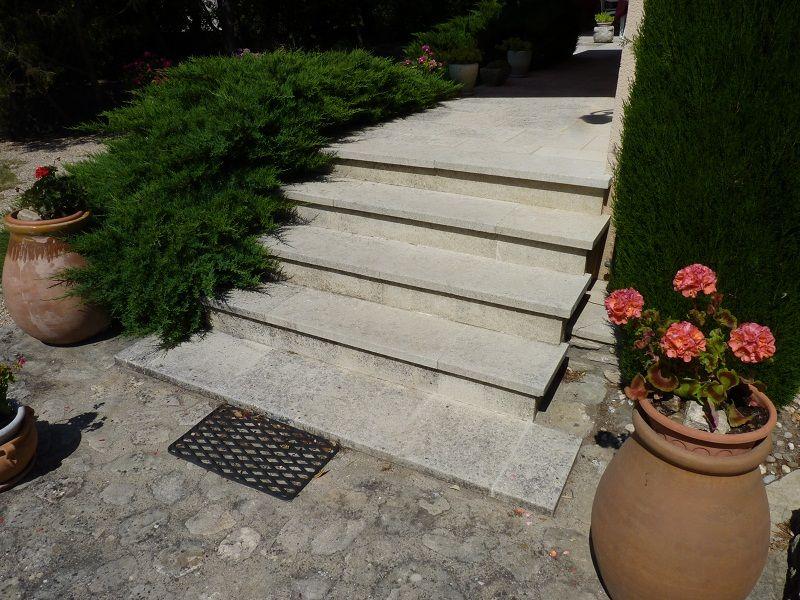 Escalier extérieur réalisé en pierre du0027Espeil Escalier en pierre - realiser un escalier exterieur