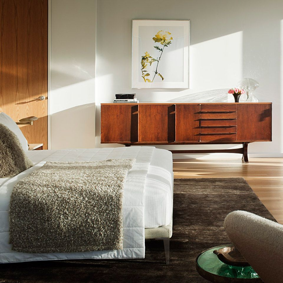 12 chic bedroom decorating ideas that also make for a on better quality sleep with better bedroom decorations id=11704