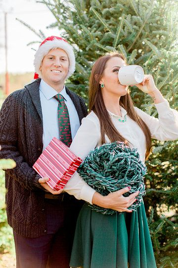 National Lampoon Griswold Christmas Vacation Themed Christmas Card Photo Christmas Vacation Costumes Christmas Card Outfits Christmas Photoshoot