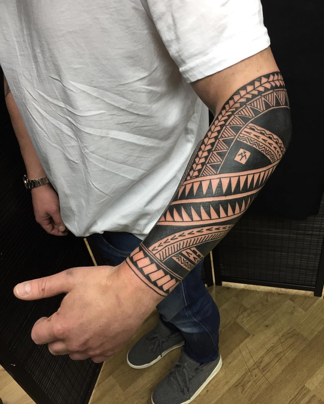 """Daniel Frye on Instagram: """"Polynesian tattoo done at @frithsttattoo yesterday. Thanks Ben for sitting all day! (It wraps) #tribaltataucollective #tribaltattoo…"""""""