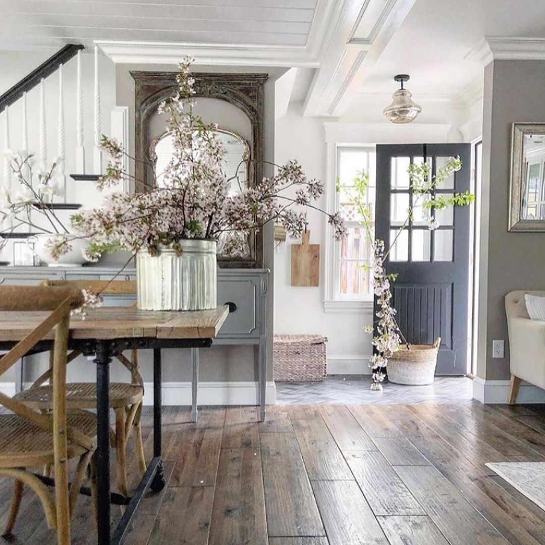 Some Entry Inspo What Are You Drawn To Also Our Weekend Sales Picks Are Up On Beckiowens Com Un House Interior Farmhouse Interior Home Interior Design