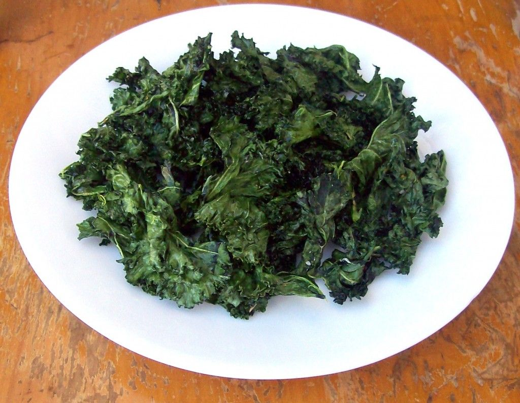 Curly Kale Chips Made In Microwave Mage With Coconut Oil And Sea Salt Nuke For 3 5 Minutes The