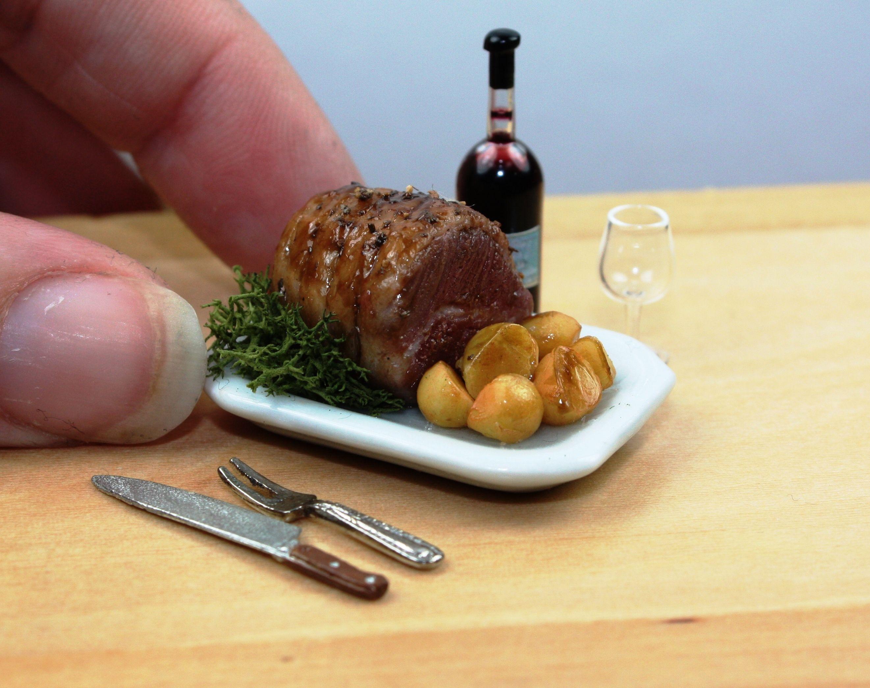 Plate of roast Wust Dollhouse  miniature polymer clay