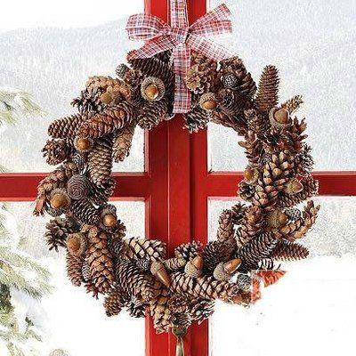 pine cones \ acorns wreath Christmas Pinterest Decoración
