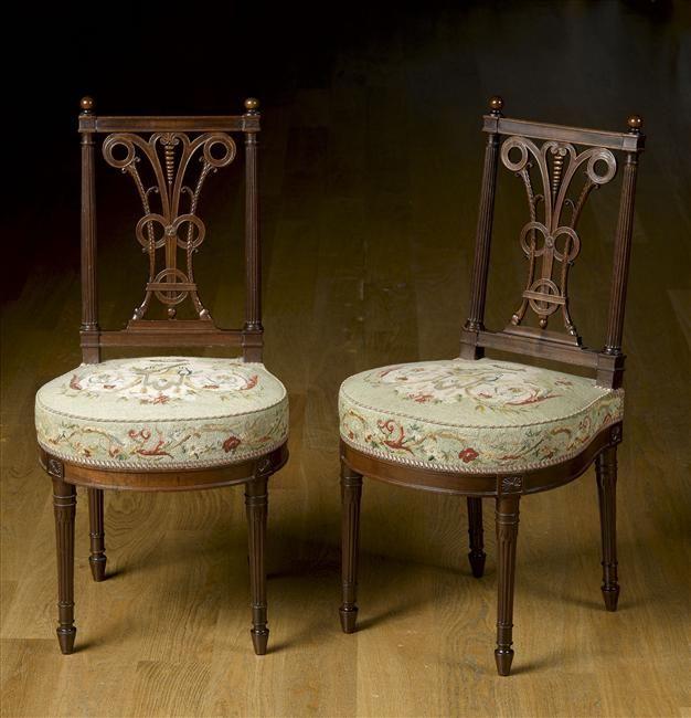 chaise du salon des jeux de Louis XVI à Versailles Seating