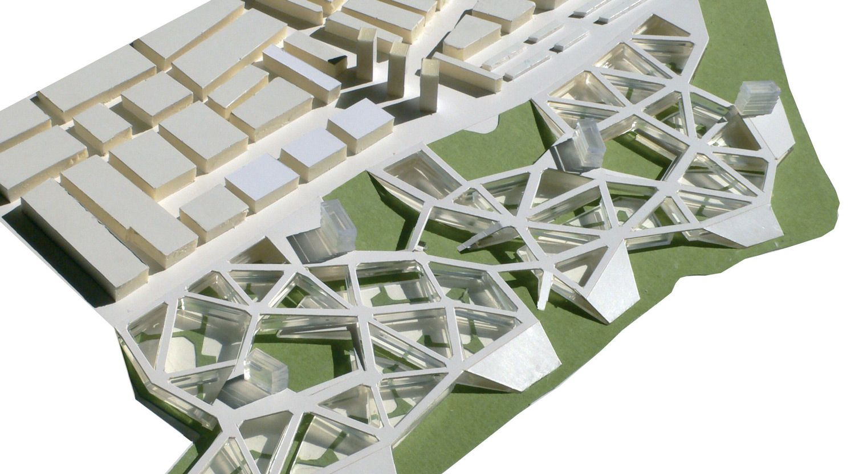 Europan 9 - Calahorra: Deux strates urbaines / Collaboration avec Miguel Garcia-Redondo, mention «cité»