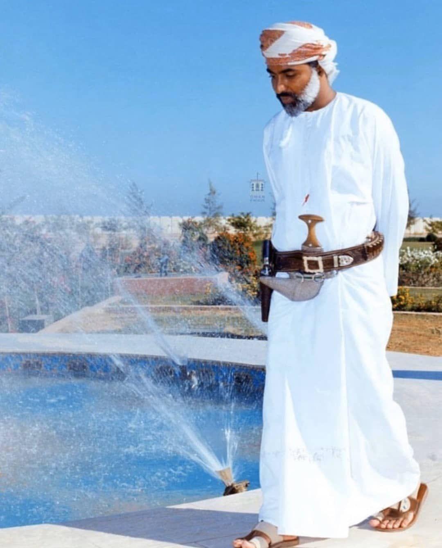 Qaboos قابوس On Instagram حساب Qaboos 7 يعرض صور صاحب الجلالة الحديثة و القديمة ق Sultan Qaboos My Prince Charming Sultan Oman
