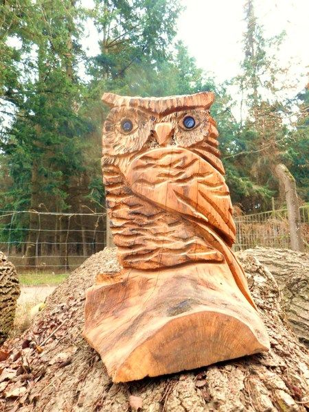 eule figur skulptur holz geschnitzt handarbeit owl von holzskulpturen waldeck loreen kussauer. Black Bedroom Furniture Sets. Home Design Ideas