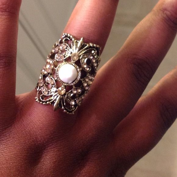 Statement ring Vintage looking statement ring , very pretty never worn Accessories