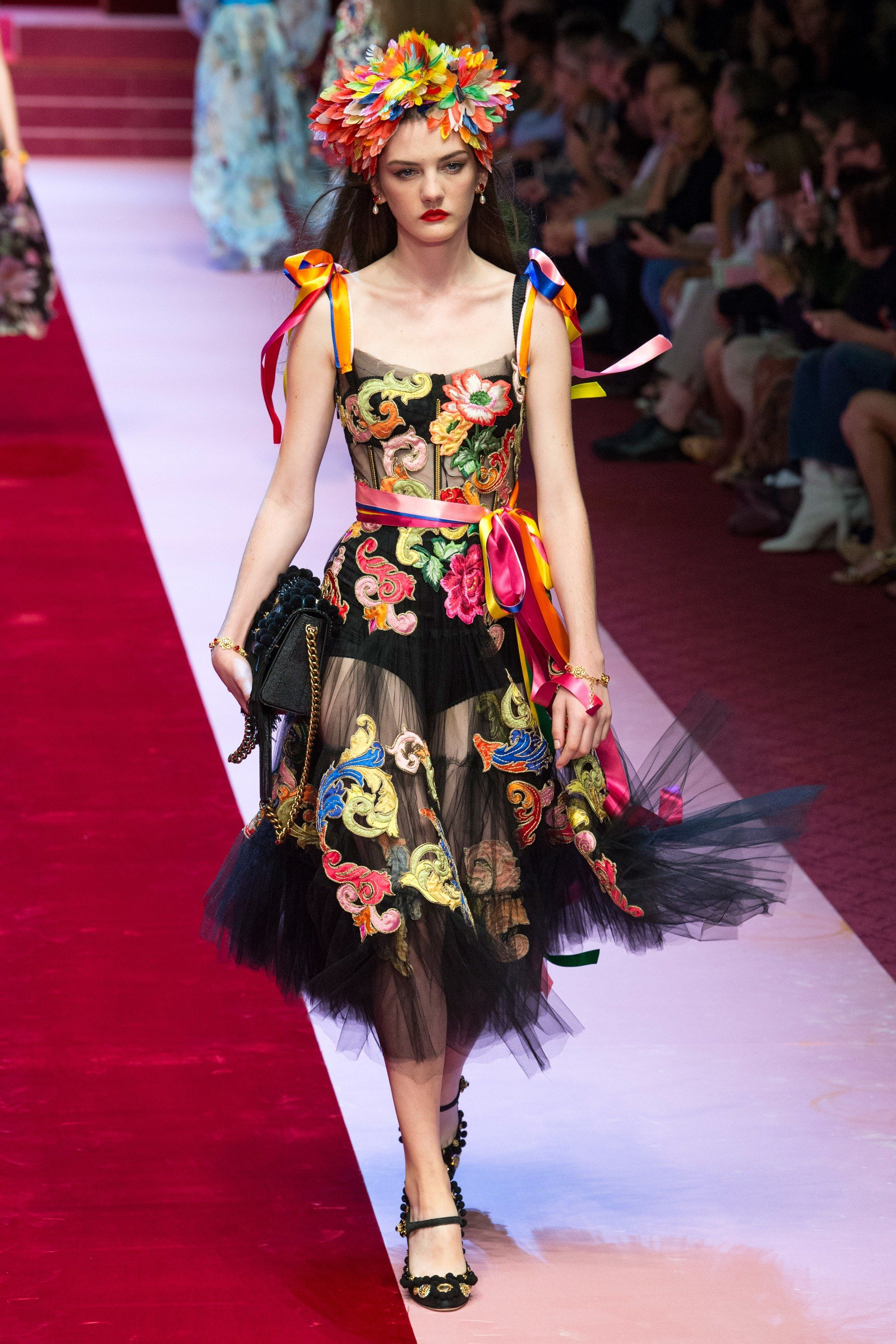 4255aafc3b08 Dolce   Gabbana Spring 2018 Ready-to-Wear Collection Photos - Vogue