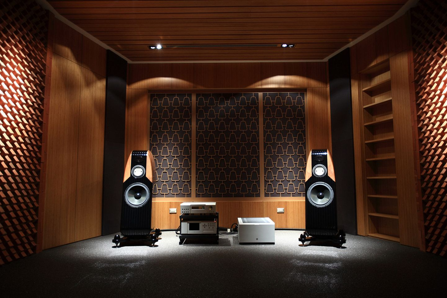 Nice Speakers For Room Kharma Evoking In Vogue Pinterest Audio Room Sound Room And